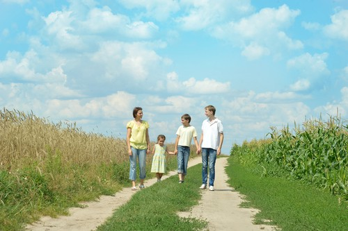walking outdoors reduces stress